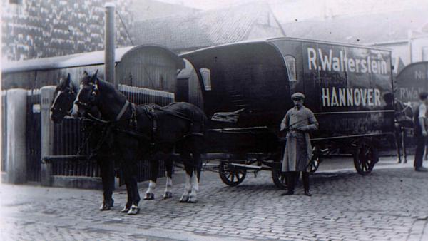 moebelwagen-mit-pferd